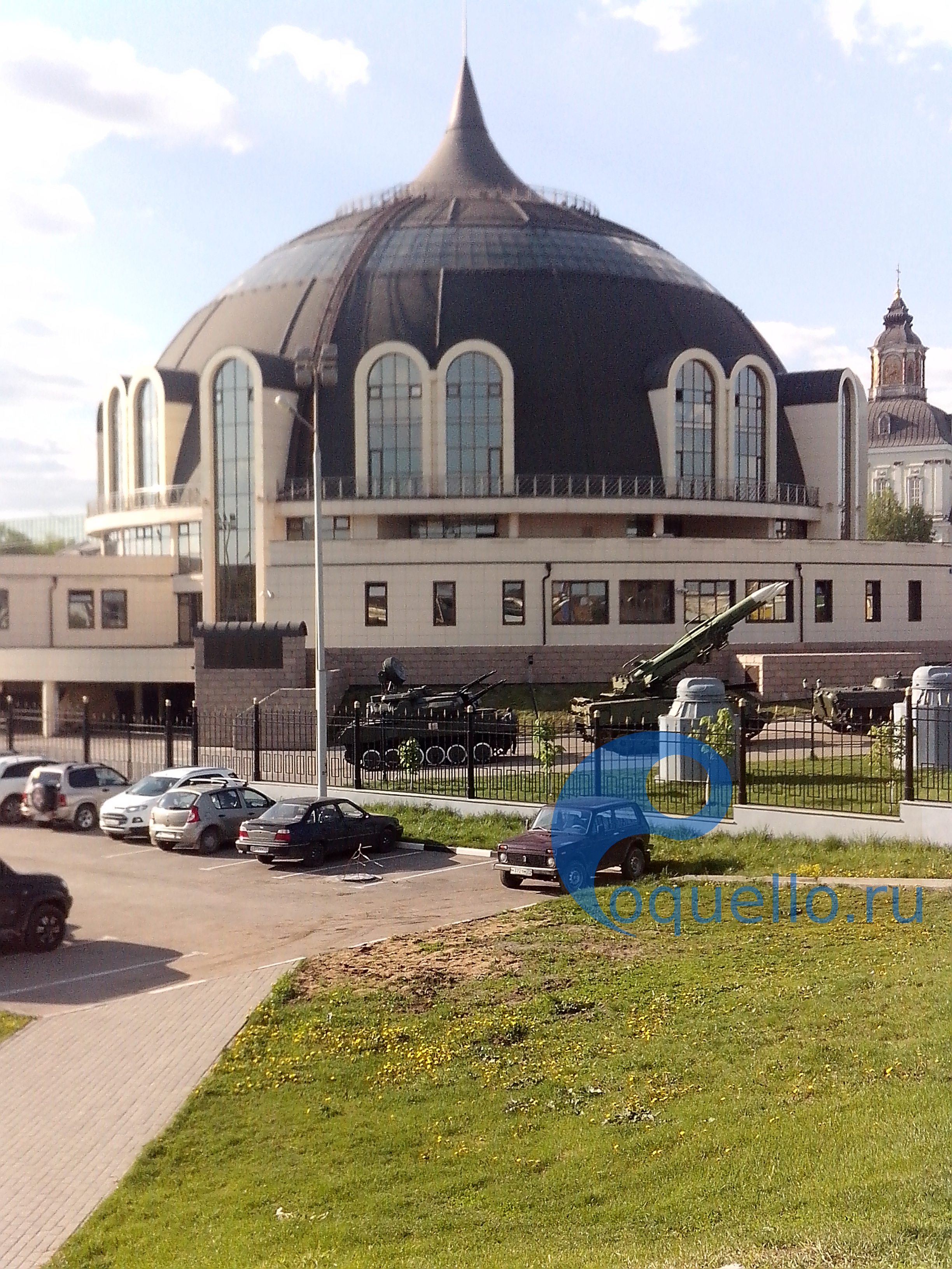 Музей оружия 2017, вид с края моста.