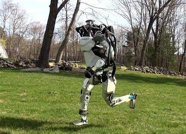 робот бегающий как человек
